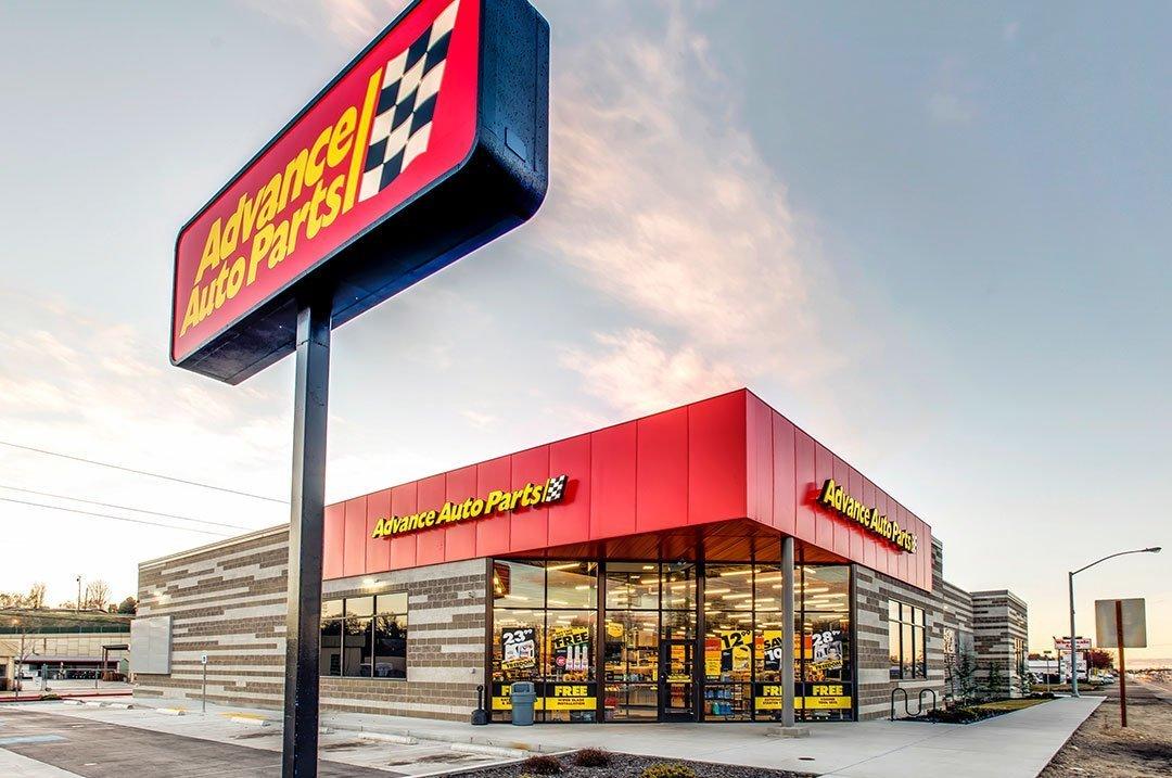 Automotive retail sign Advanced autoparts