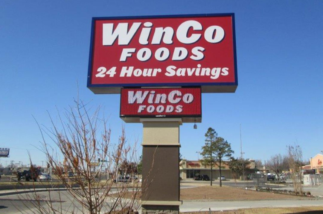 Grocery Winco foods pylon sign