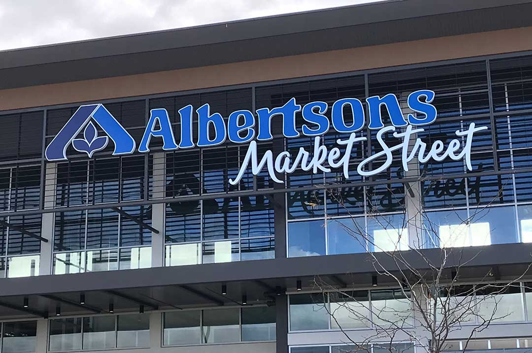 Grocery sign Albertsons Market St sign