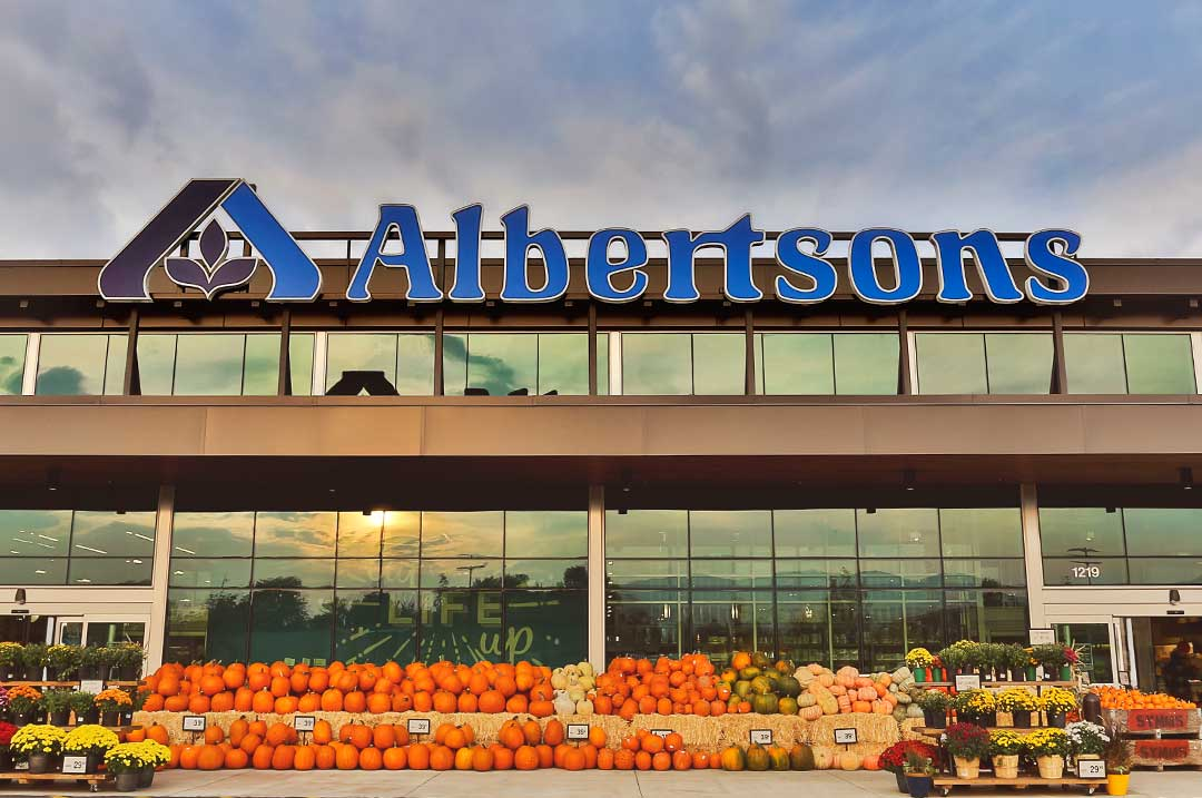 Grocery sign Albertsons unlighted sign