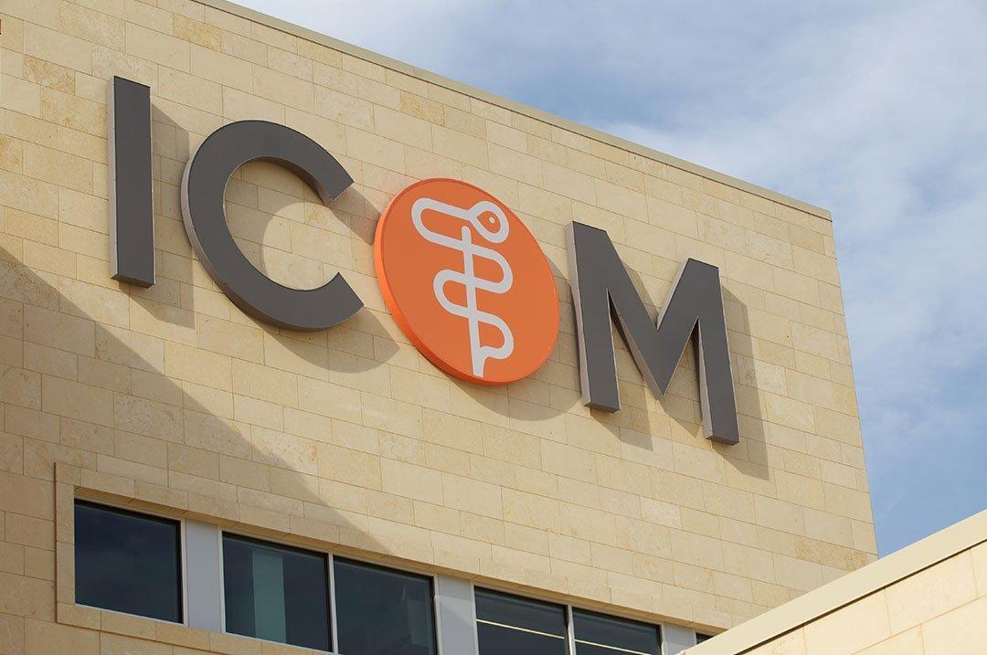 Healthcare ICOM exterior sign