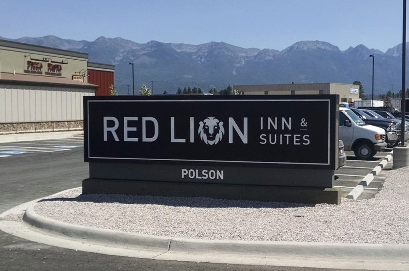 Hospitality Red Lion monument sign exterior sign