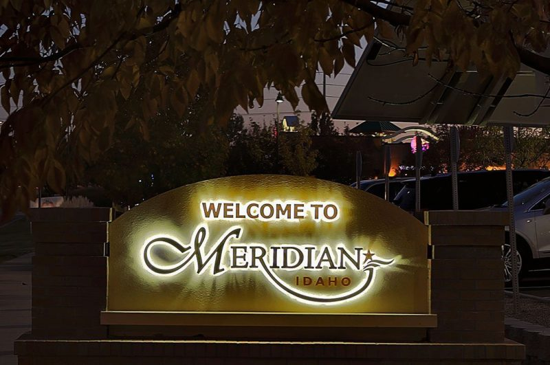 Restaurants City of Meridian exterior solar sign